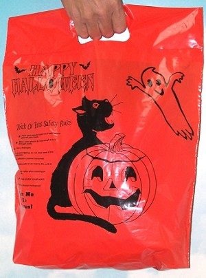 "H3708  12"" x 15"" Orange Halloween plastic bag with safety messages"
